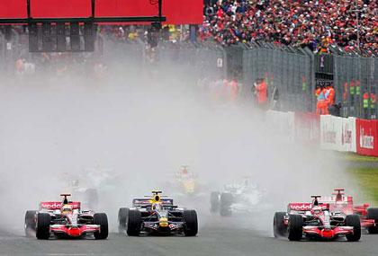 El GP de Gran Bretaña de F1 pasado por agua